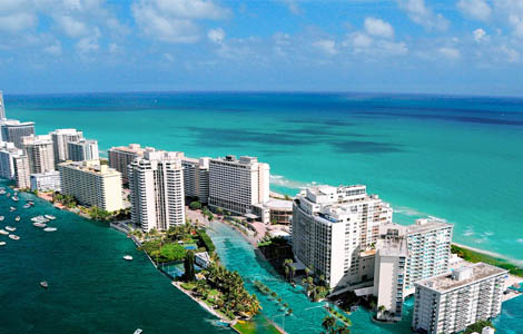Miami | warm places to visit in january in USA